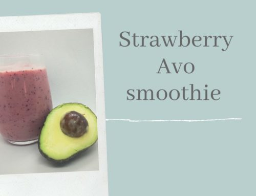 STRAWBERRY AVO SMOOTHIE